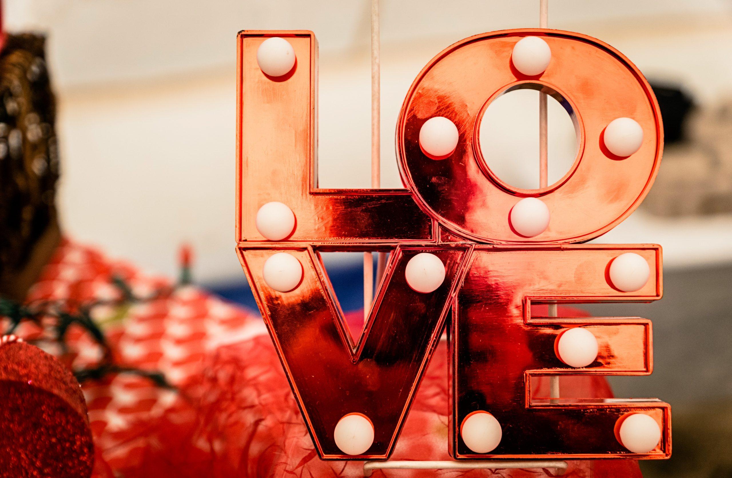 5 Ways to Celebrate Valentine's Day on a Budget